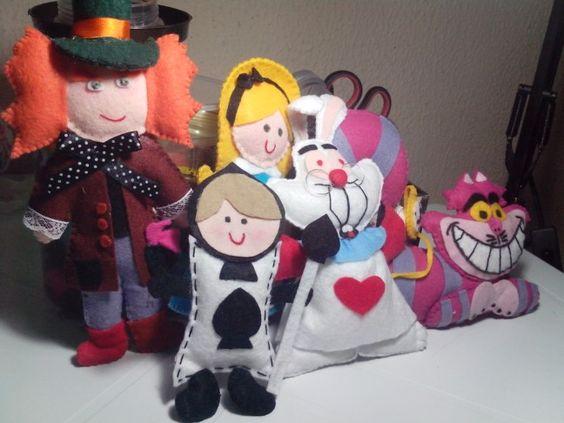 personagens em feltro e.tecido para decorar.sua festa.
