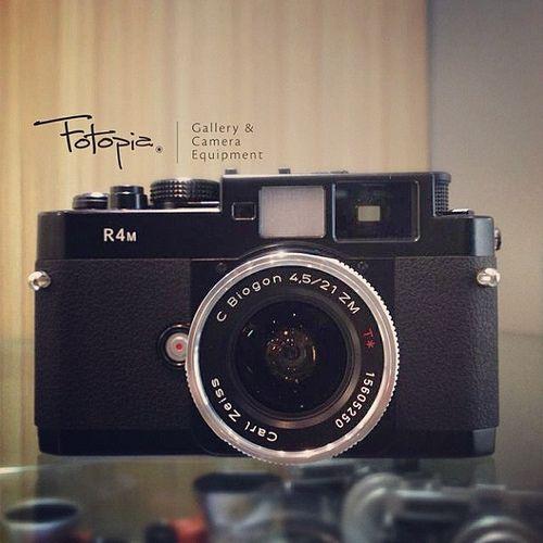 Carl Zeiss Biogon T* 21mm f4.5 ZM with Voigtlander R4M (built-in 21mm finder)  #Leica #Summicron #Fotopia #LeicaM9 #cameraporn #LeicaM9P  #Summilux #Noctilux  #Photography #Rangefinder #CarlZeiss #Biogon #Voigtlander #R4M
