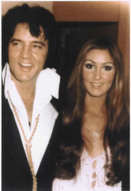 """""""We just hit it off immediately because we grew up in Memphis, we had the same religious beliefs, the same love for our family, devotion to mother and father.""""~Linda Thompson"""