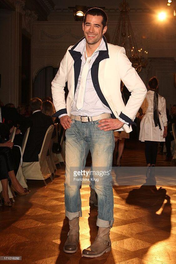 Jo on Catwalk at Aids Gala Fashion Menu Würzburg 2009(c) gettyimages
