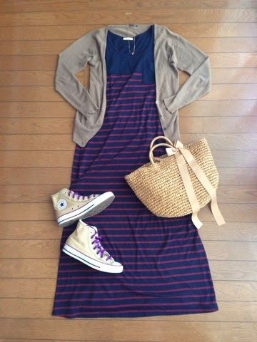 vestido + tênis.