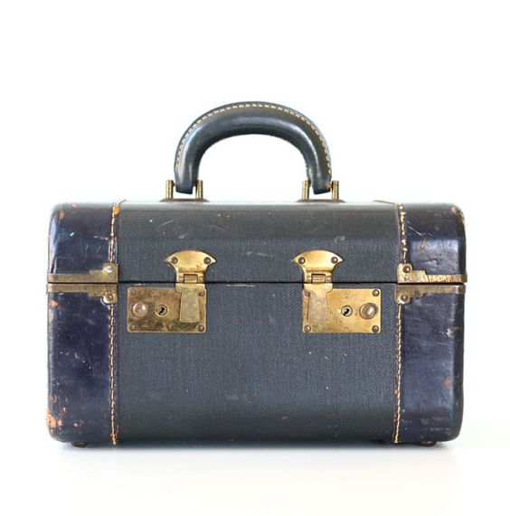 Vintage Navy Train Case     I love old cases, suitcases and boxes with locks!