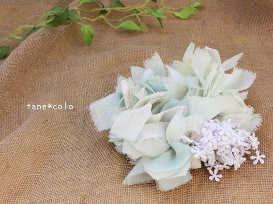 薄いミントグリーンやレモンイエローのシフォン生地でザクザクと編んで作ったシュシュです。白いこぼれるお花がたっぷりでカワイイ。涼しげな淡いカラーです。 サイズ:...|ハンドメイド、手作り、手仕事品の通販・販売・購入ならCreema。