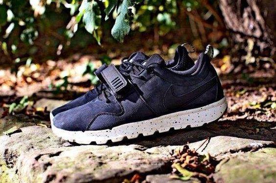 Nike trainer black !!