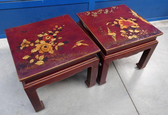 Coppia di tavolini cinesi laccati e dipinti+ con dorature e colori particolarmente brillanti