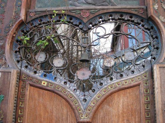 © francoise mamet Detail of the door, Paris.