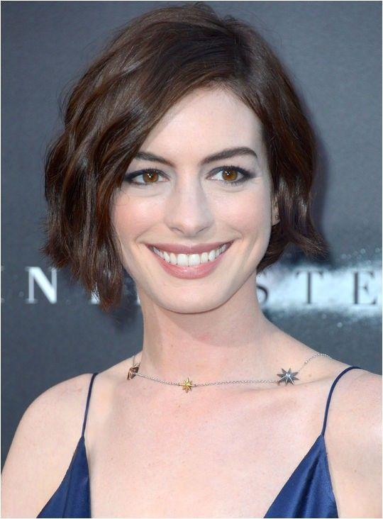 Anne Hathaway Bob Haircut Bob Frisur Bob Frisur Zopf Bob Frisur Frech