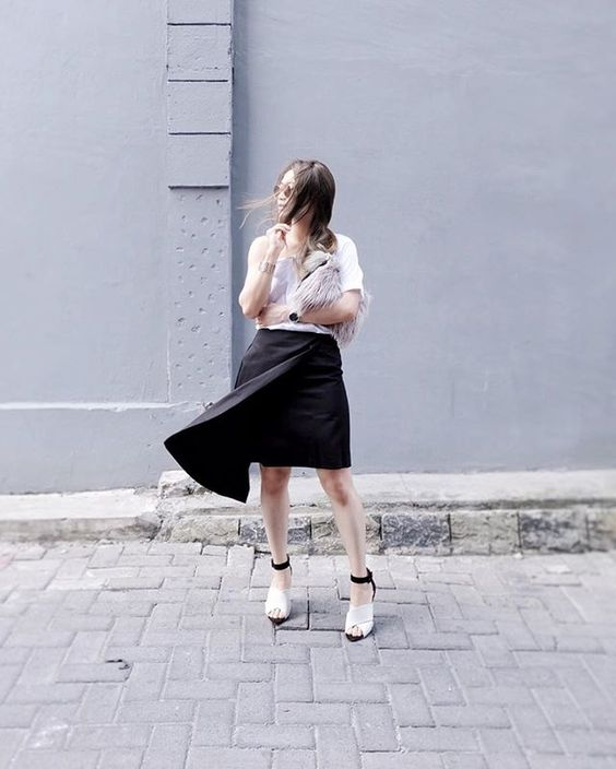Complete my monochrome look with a sleek black layer skirt by @kromcollective : @wahitsyou #ootd #outfitoftheday #lookoftheday #fashion #fashiongram #style #love #currentlywearing #lookbook #wiwt #wiwtoday #whatiworetoday #ootdshare #todaysoutfit #instastyle #fashionista #instafashion #todayimwearing #fashiondiaries #fashionpost #streetstyleluxe #ootdmagazine