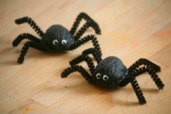 Spinne Basteln 60 Krabbelige Halloween Deko Ideen Zum Selbermachen Spinne Basteln Basteln Halloween Halloween Deko Basteln
