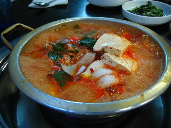 Korean Food_Kimchi jjigae=kimchi stew