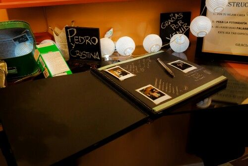 Libro de firmas y camara polaroid #ideas #wedding #photos #polaroid