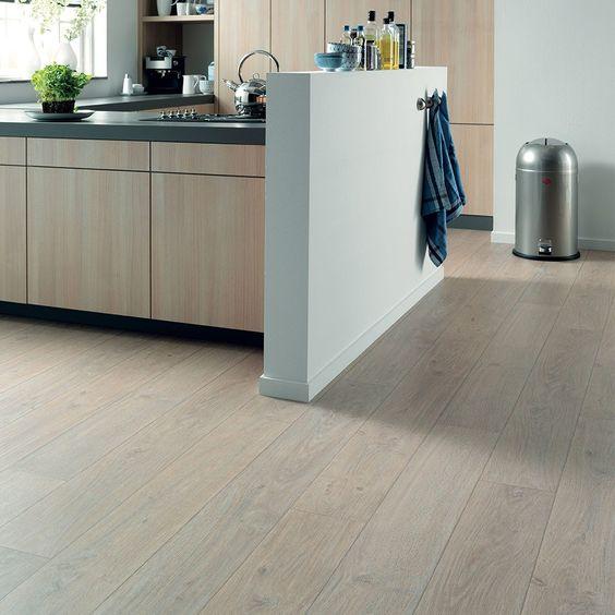 Sol vinyle cuisine : Novibat chêne blanc de Forbo Flooring