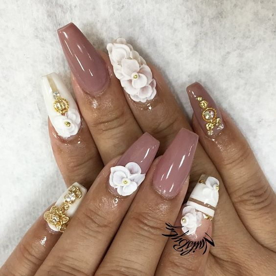 Mauve nails coffin nails and wedding nails on pinterest - Nageldesign beige gold ...