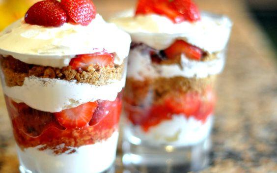 Aardbeien Parfait, wat een verwennerij! Eén van mijn favoriete desserts