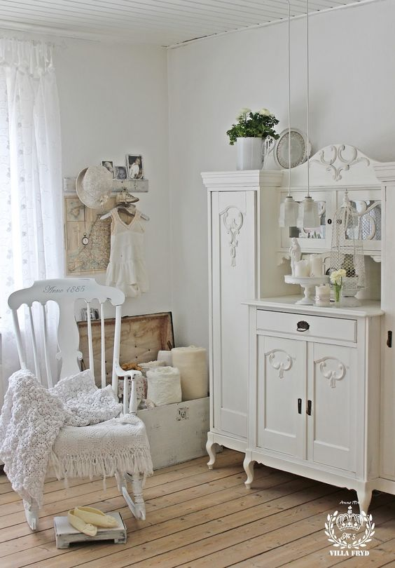 Shabby and Charming: Nordic and Shabby Style in a beautiful house in Denmark