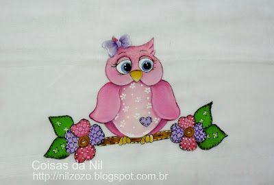 fralda pintada com coruja rosa e flores efeito patch