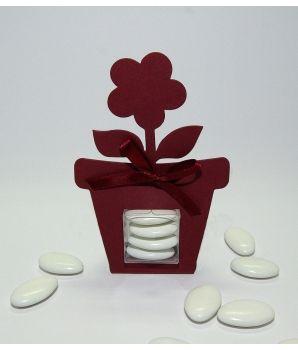 Un élégant contenant pour vos dragée avec sa petite fleur qui porte bonheur !