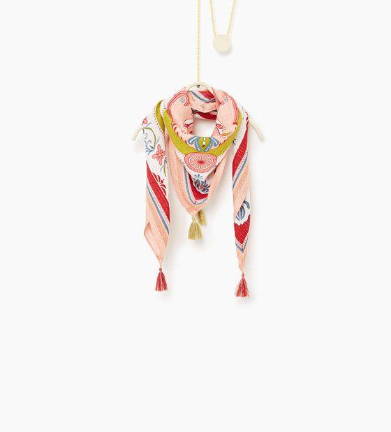 Afbeelding 1 van Sjaaltje met bloemenprint en gemetaliseerd garen van Zara