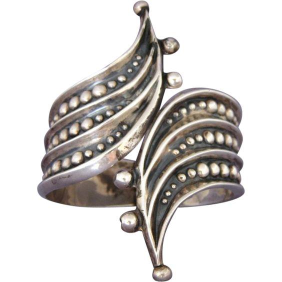 Vintage F. Balladares Mexican Sterling Silver Hinged Clamper Bracelet