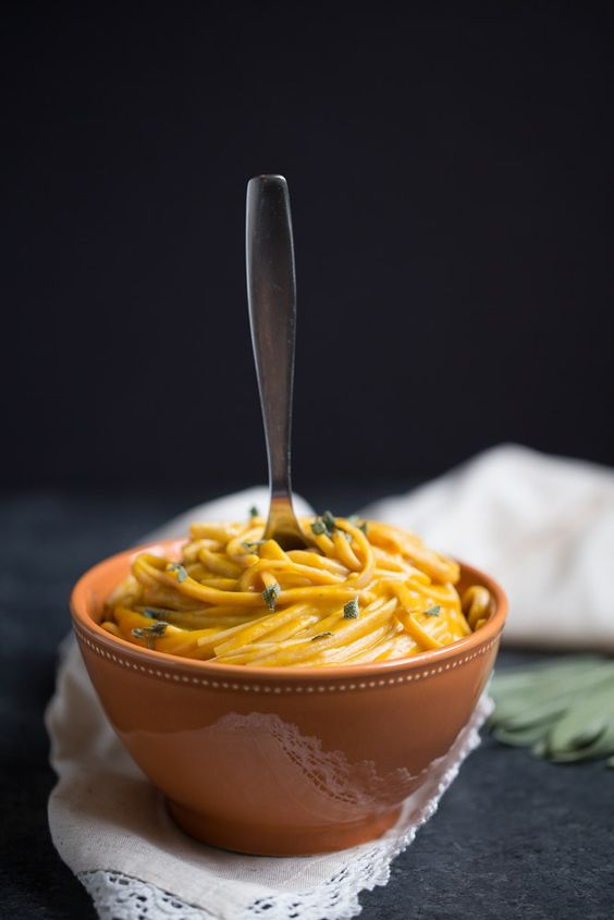 Vegan Pumpkin Cream Sauce. Low calorie, low sugar + low fat. Only 57 calories per 1/2 C serving. | Small Green Kitchen