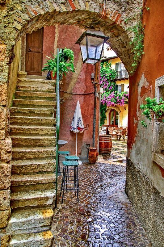 <3 Beautiful street scene of Torri del Benaco in the Province of Verona in the Italian region Veneto <3