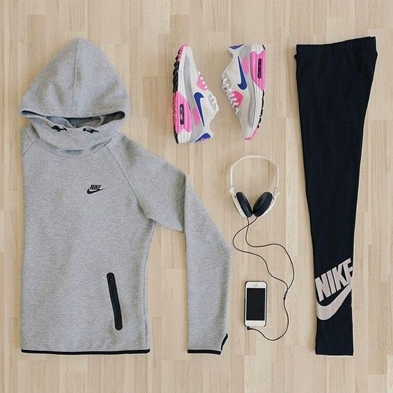 sports clothes #flatlay #flatlays #flatlayapp www.flat-lay.com
