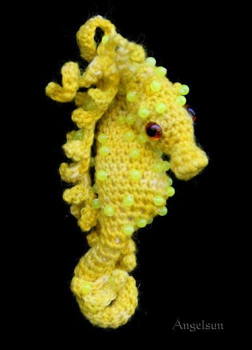 Free Amigurumi Seahorse : Cammie the Pygmy Seahorse Crochet PDF Pattern-Second of ...
