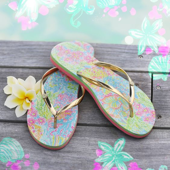Loving these pretty and bright flip flops from Lilly Pulitzer