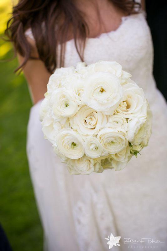 #bouquets #boutonnieres #weddingphotography