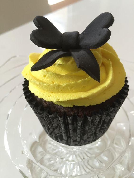 Yellow wiggle inspired cupcakes