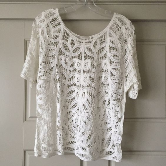 Hinge Crochet Tee Hinge brand from Nordstrom. White crocheted tee, slight red stain as shown in picture. Hinge Tops Tees - Short Sleeve