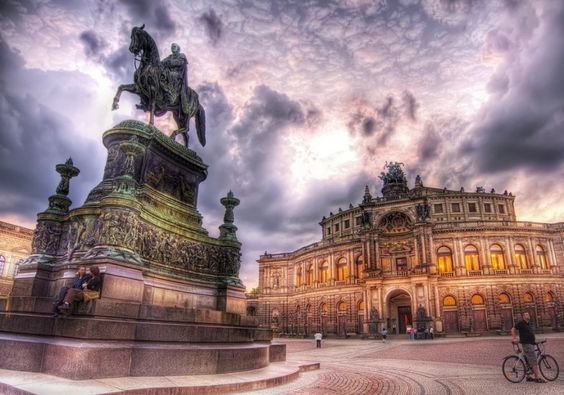 Relaxing in Dresden from #treyratcliff at http://www.StuckInCustoms.com - all images Creative Commons Noncommercial