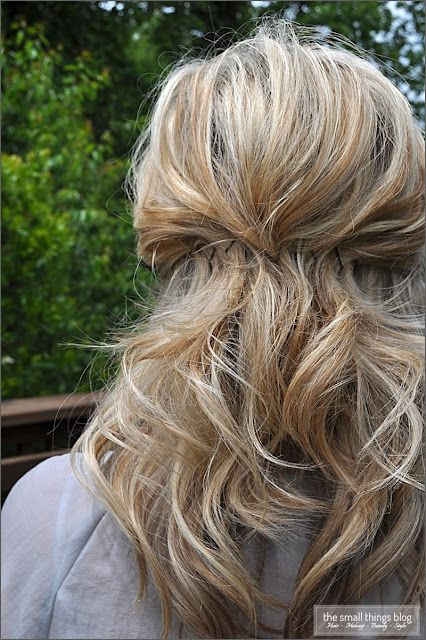 The Small Things Blog: Pinned Half Up wow I might even be able to do this lol