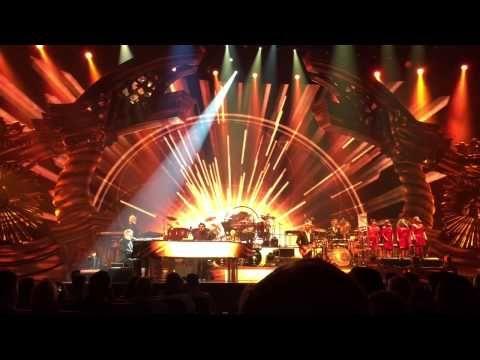 Las Vegas: Elton John mit 'Million Dollar Piano' zurück im Caesars Palace | traveLink.