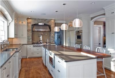 Light Traditional Kitchen by Jessica Williamson