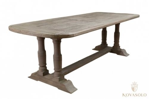 Stort og rustikt old amsterdam spisebord i eik. bordet har en røff ...