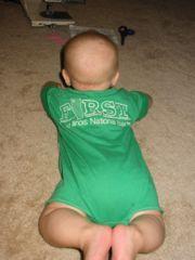 Body pour bébé dans le Tshirt de papa - Baby onesie from a Tshirt