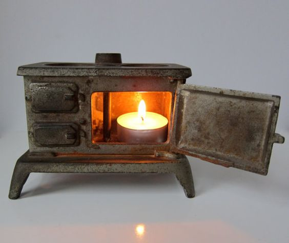 Mini Stove: Vintage Miniature Cast Iron Cook Stove Salesman's Sample