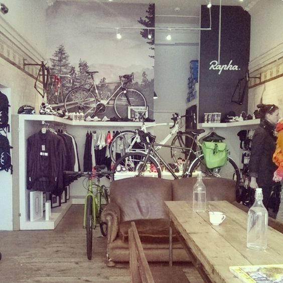 Lovely cafe/bike shop/exhibition space #rondebike #coffee #stockbridgeedinburgh #Stockbridge #Edinburgh #Scotland