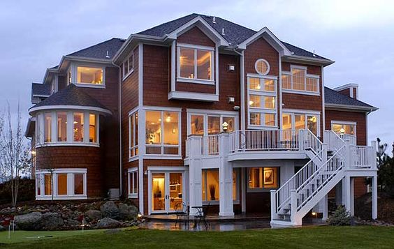 Plan 9530rw luxurious three level home the white decks for Walkout basement windows