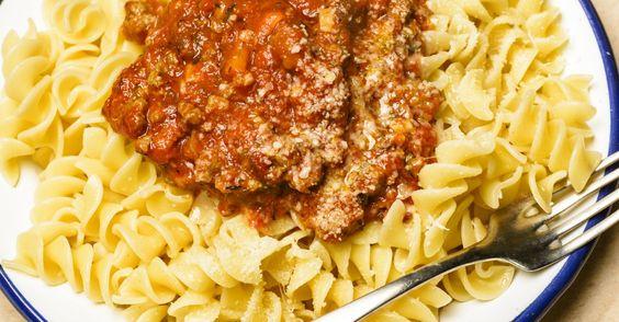 Profitez de cette belle journée pour cuisiner, une sauce à la viande parfaite.
