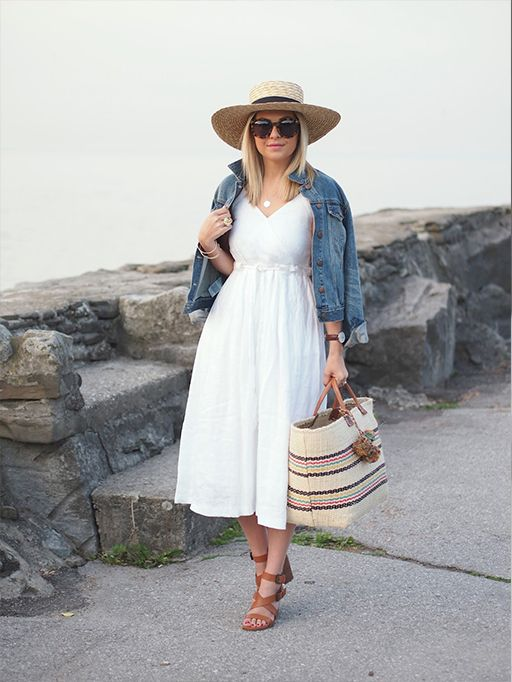 Suburban Faux Pas is looking mighty lovely in this white Banana Republic patio dress.: