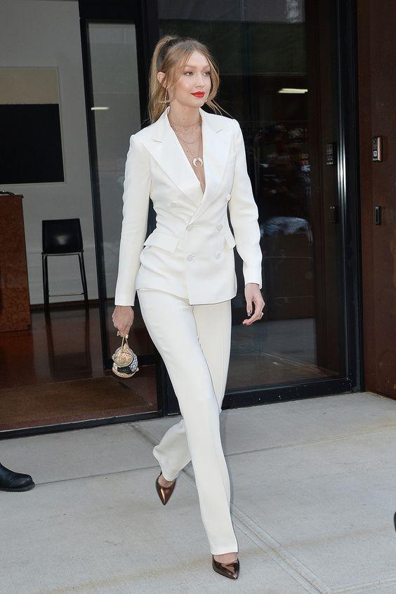 Gigi Hadid Tailleur Bianco
