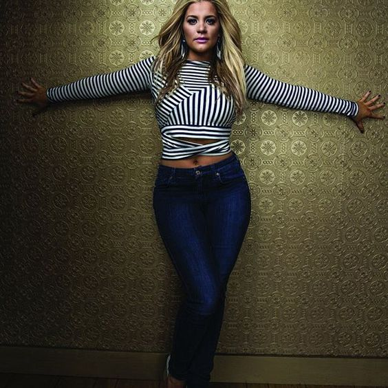 """""""You can't achieve something that you don't believe in and you're scared of."""" -Lauren Alaina"""