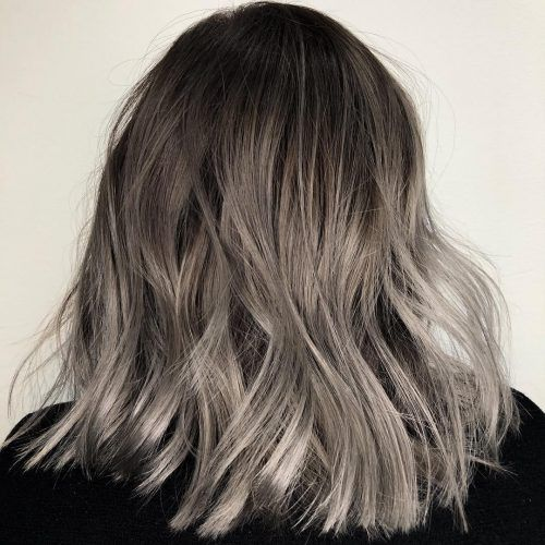 The Grey Ombre Hair Trend Of 2021 14 Hottest Examples 2021 Ombre Sac Rengi Sari Balyaj Orta Sac Stilleri