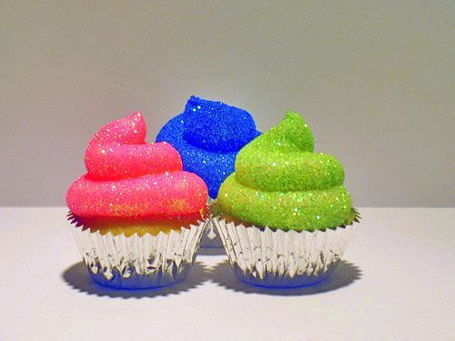 DIY Edible Glitter Cupcakes With Only Two Ingredient!