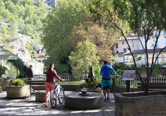 Dörf der Provence - Isle-sur-la-sorgues - Fontaine-de-Vaucluse - Urlaub in der…