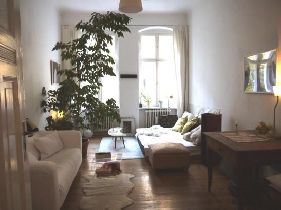 Super gemütliche Wohnzimmer-Einrichtungsidee Große Altbaufenster - wohnzimmer grose fensterfront