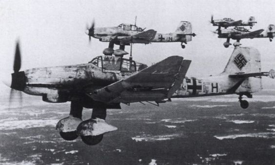 Stuka 87Ds over the Russian Front.