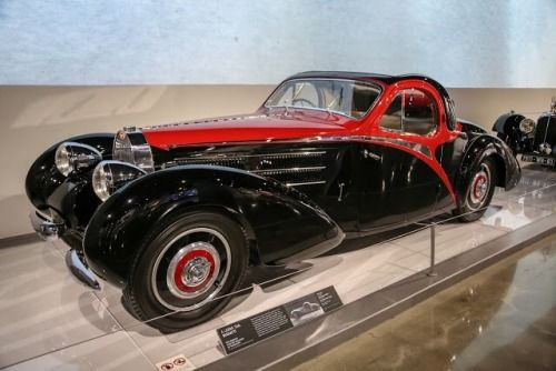 The 1939 Bugatti Type 57 C With A Divine Coupe Body By Gangloff It Has A Long Tail A Roll Back Roof And Quite A Lot Of C Bugatti Cars Bugatti Type 57 Bugatti